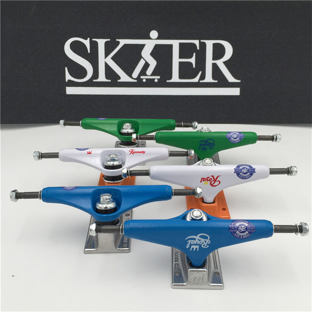"""قطع لوح التزلج عالية الجودة من النوع الأوسط المجوف لشاحنات التزلج 5.25 """"شاحنات تزلج بيضاء فضية اللون شاحنات من الألومنيوم"""