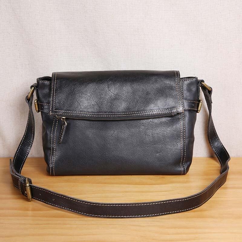 AETOO Original handmade vintage leather men s bag top layer leather shoulder Messenger bag British vegetable