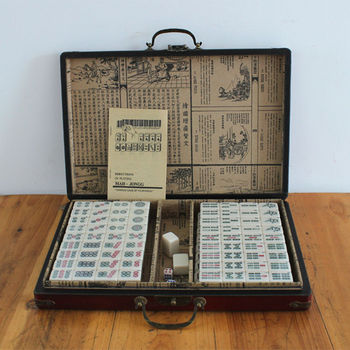 Mini Chinese Antique Mahjong Games with English Instruction Four Wind Board Game 1.8*2.3*1.3cm MahJong wooden Box majiang k8356 large mahjong portable wooden boxes set table game mah jong travelling board game indoor antique leather box english manual