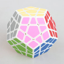 High Quantity Shengshou Megaminx Puzzle Speed Dodecahedron Smooth Magic Cube Color black/white Snake Special Toy Free shipping 2017 new shengshou 6x6x6 megaminx black white twist puzzle pvc
