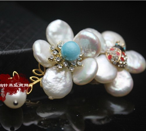 Natural Shaped Pearl Brooch Pendant High Quality JewelryNatural Shaped Pearl Brooch Pendant High Quality Jewelry