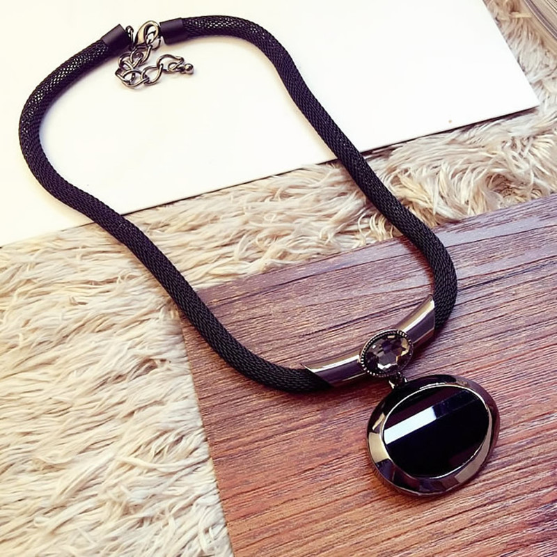 2016 New Arrival Women Pendant Necklaces All-match Elegant Black Beaded Necklace  Exaggerated Clavicle Chain Accessories 7e988cdc0ba3
