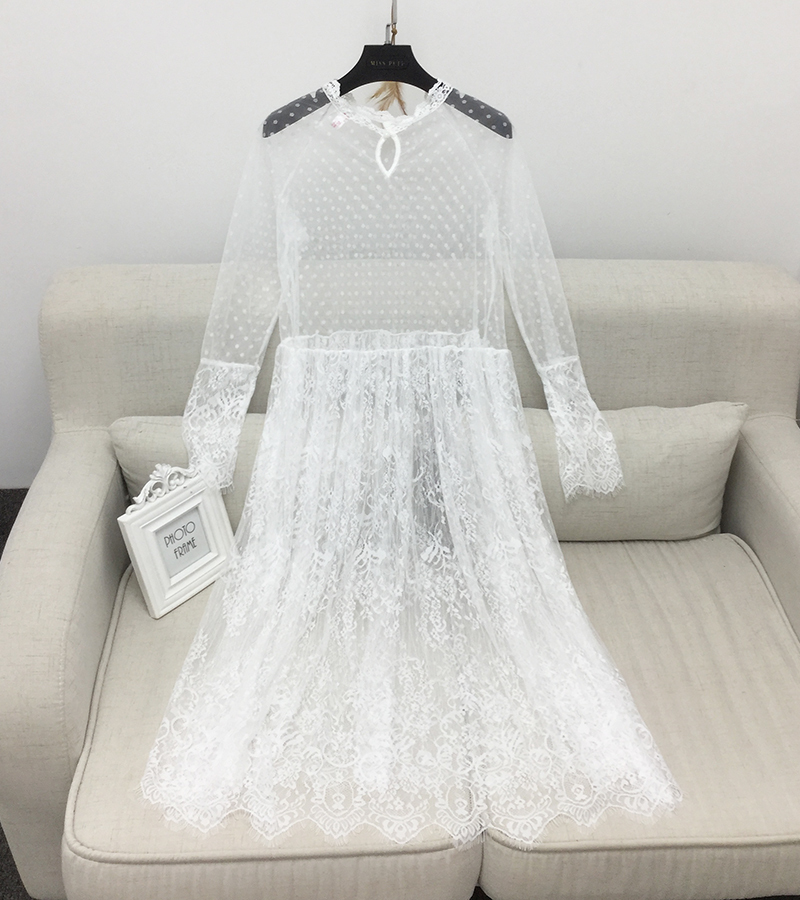 [GUTU] 2017 Korean Version Of The New Spring Long Ride Within The Long Sleeve Perspective Lace Dress A00460