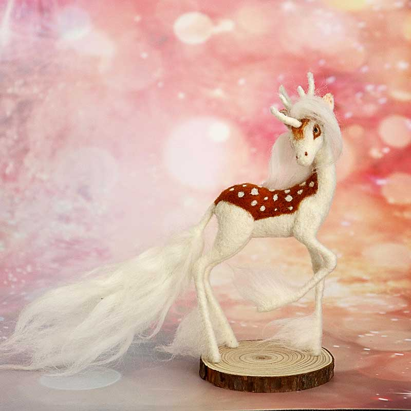 2019 Christmas Family Wedding Decoration Gift DIY Handmade Unicorn Deer Wool Needle Felt Decoration No Finish Material Kit