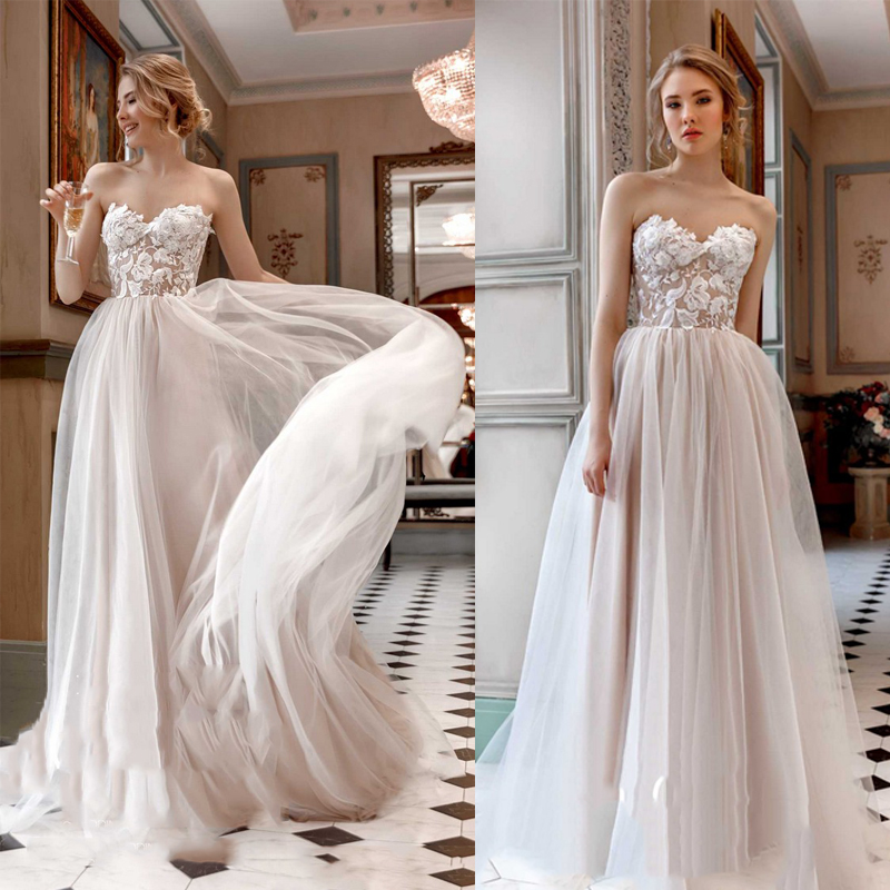 2019 Informal Strapless Wedding Dress 2019 Beach Bride Dress Lace Appliques Tulle Sweetheart Neck Wedding Gowns Floor Length