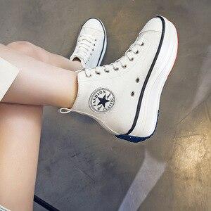 Image 2 - キャンバスシューズ女性のファッショントレーナー女性高トップスニーカー女性秋の女性の靴通気性少女の白黒スニーカー