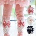 2017 Primavera Outono Leggings de Algodão Meninas Crianças Lace Bow Skinny Calças Calças das Crianças Para O Vestido de Terno Crianças Arco Coreano calças