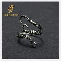 Free Shipping Gift Bag Wholesale Titanium Steel Gothic Deep Sea Octopus Finger Ring Fashion Jewelry Opened