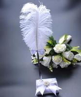 Vintage Style Party Decoration Reception Signature Guest Wedding Pen Set With Holder White Feather Signing Pens