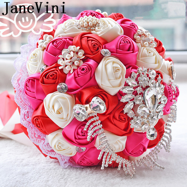Купить с кэшбэком JaneVini 2019 Luxury Crystal Wedding Bouquets Purple Watermelon Color Satin Roses Beaded Jewelry Bride Flower Bridal Bouquet