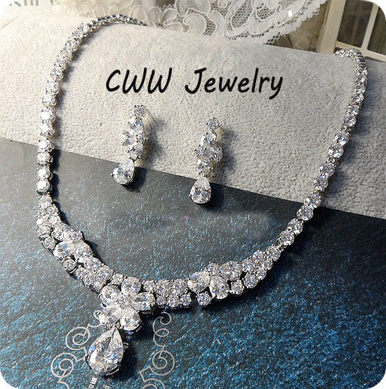 CWWZircons Luxury Water Drop Flower CZ Crystal Bridal Wedding Necklace Pendant And Earrings Jewelry Set For Brides T045 cwwzircons water drop royal blue cz necklace earrings ring and bracelet 4 piece wedding jewelry set for women bridal party t098
