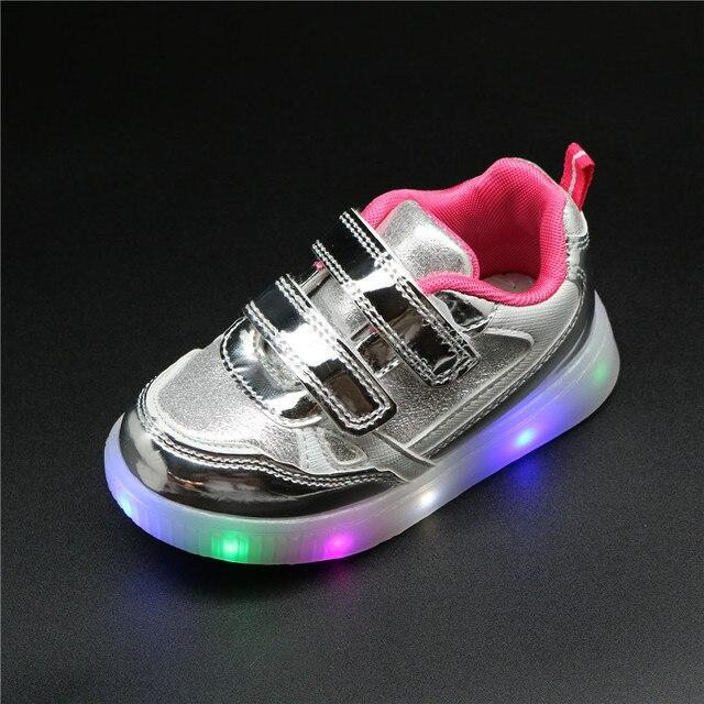 Обувь для девочек Детская мода крюк светодио дный петля LED обувь Дети загораются светящиеся кроссовки маленьких девочек детская обувь принцессы со светом