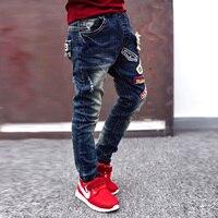Kinder hosen großen jungen lässige jeans 2017 neue herbst kinder kleidung jungen denim blaue farbe kinder bleistift hose kind loch leggings