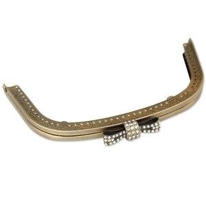 Image 2 - 10 pçs 18.5cm beijo fecho de bloqueio para as mulheres bolsa de embreagem metal quadro alça diy fecho em relevo acessórios do saco