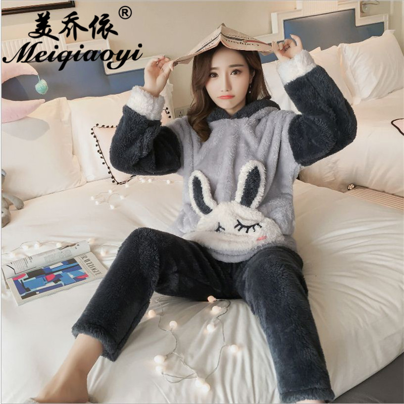 New Autumn/winter flannel Hooded pajamas sets thickening women sleepwear sweet female Indoor Clothing Leisure Home Suit