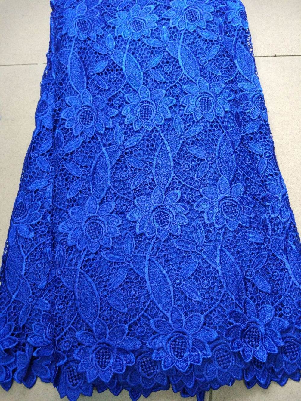 5 Yards/pc Royal blue water soluble guipure lace with flower pattern,Nice looking african cord lace fabric for clothing ZQW7-35 Yards/pc Royal blue water soluble guipure lace with flower pattern,Nice looking african cord lace fabric for clothing ZQW7-3