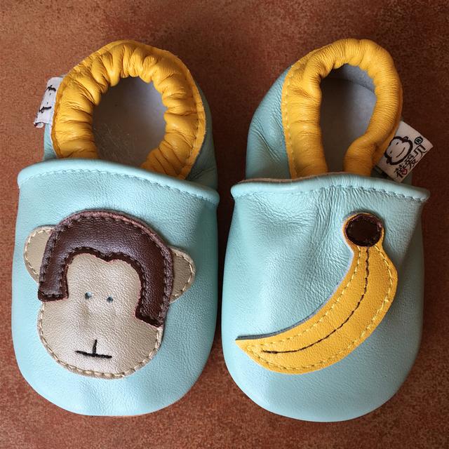 Mono marrón Verde Zapatos de Bebé de Cuero Suaves Zapatillas de Suela de Tobillo Elástico Banda Niños Zapatos Mocasines Chinelos Infantil Menina