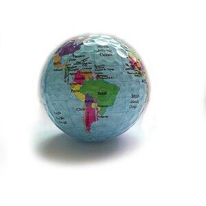 Image 2 - 3 pièces/lot Globe carte couleur balles de Golf pratique balles de Golf cadeau de Golf balles livraison gratuite