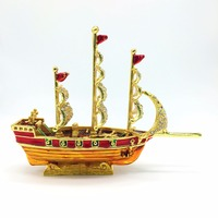 QIFU Neu kommen rot mit gold farbe segelboot nautische decor und nautischen wohnkultur