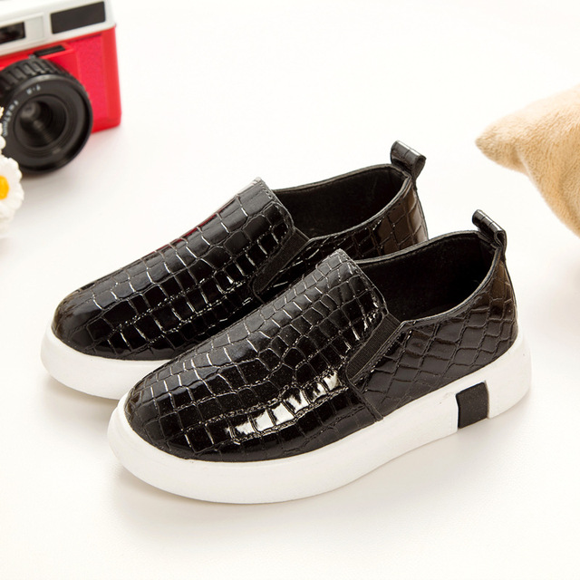 2017 Four Season Boys vintage fashion leather shoes girls Kids Sneakers  flats lacing single shoes oxford fashion boat shoes