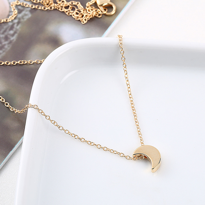 Moon Pendant Necklace Gold Silver Color Clavicle Chain 2018 Fashion Jewellery Simple Delicate Ladies Necklaces For Women Traveling Jewelry & Accessories Necklaces & Pendants