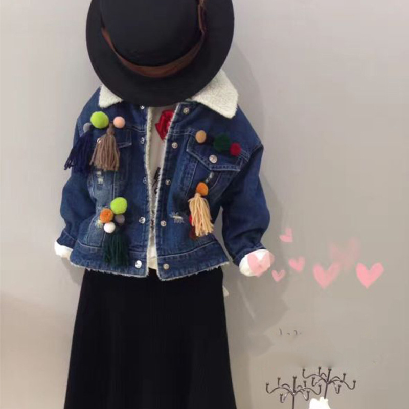 The new winter 2016 girls cowboy clothing wool hair bulb coat lapels thickening coat free shipping