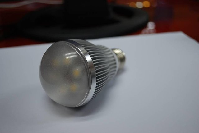 E27 high power led bulb;6*1W;500-680LM;5800-6300K;size:60mm*109mmc;cool white