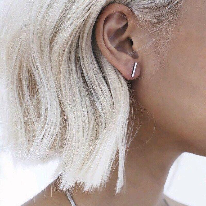 Mode nouveau Punk minimaliste mot boucles d'oreilles mode allergie tige Earpins oreille Plug alliage boucles d'oreilles