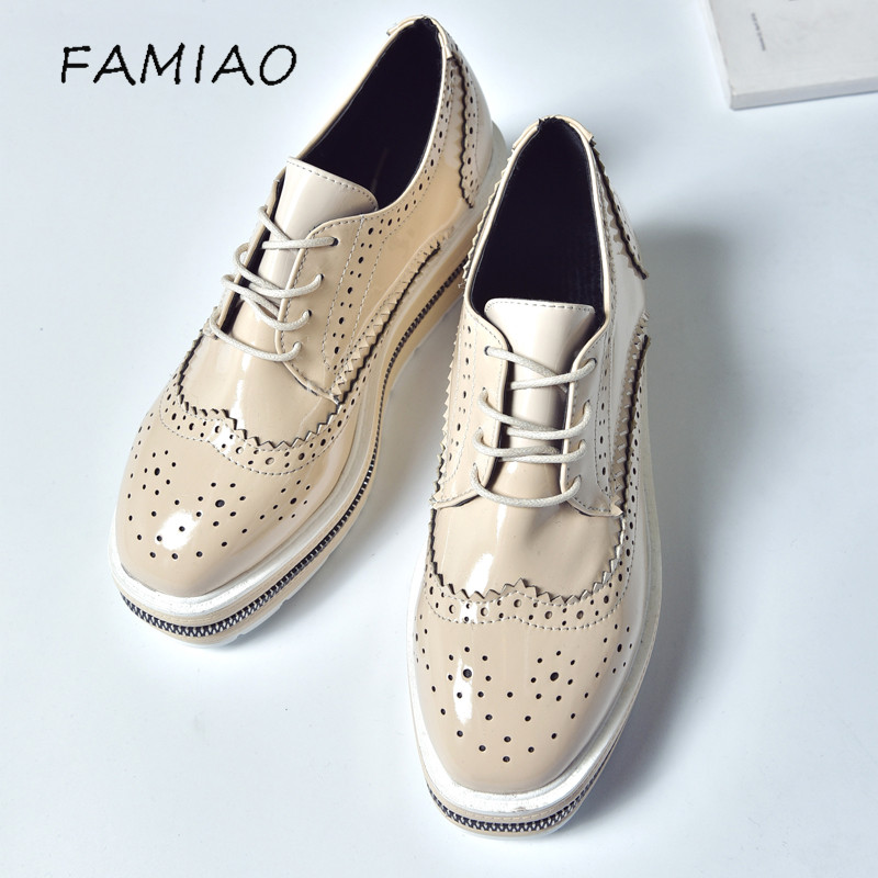 Women Platform Oxfords Brogue Flats Shoes Patent Leather Lace Up Pointed Toe Brand Female Footwear Shoes for women Creepers xiuningyan soft leather women shoes brogues lace up flat pointed toe patent leather white oxfords women casual shoes for women