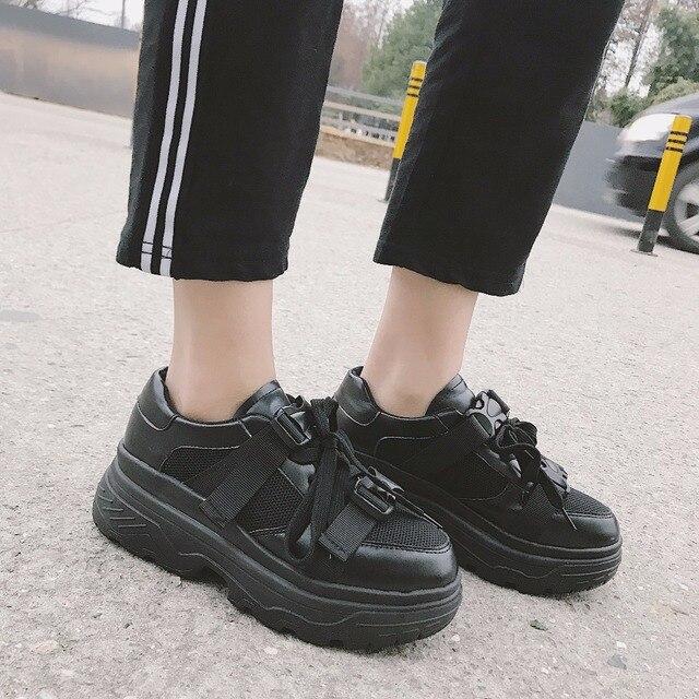 a1370222a Kjstyrka Primavera Verão 2018 Novo Estilo de Malha Respirável Confortáveis  As Sapatilhas Das Mulheres Calçados Casuais