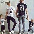 2017 Nueva Familia King Queen Impresión de la Letra Camisa de Algodón camiseta de La Madre y la Hija del padre Hijo Ropa A Juego Princesa Príncipe