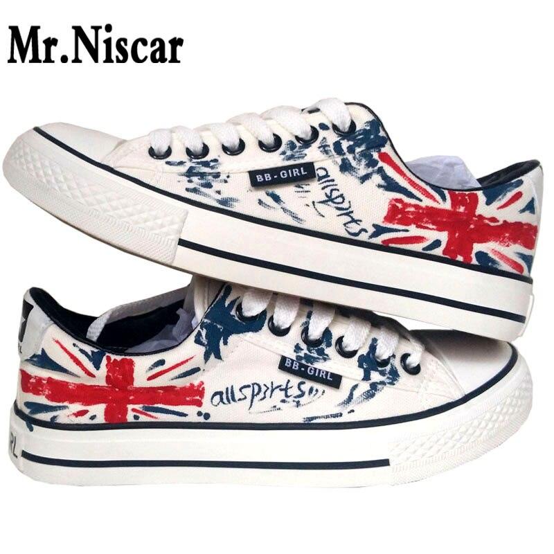 Moda Stile Britannico Bandiera Graffiti Sneakers uomo Scarpe Basse Casual  All Season Uomo Lace up Scarpe Traspiranti Teenager ragazzi Calzature in  Moda ... 7f65081d075