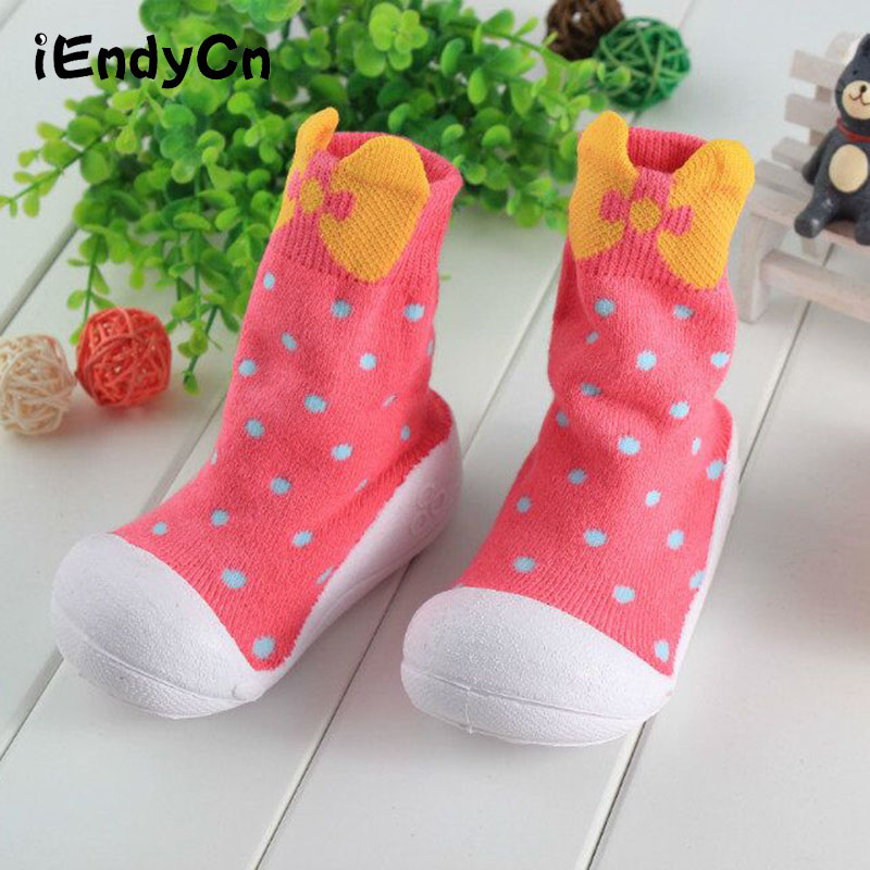 Naujagimių batai mergaitėms kūdikių grindų kojinės su gumos padais medvilnės neslystančios saugos kojelės vaikiškos minkštos apatinės avalynės YD432