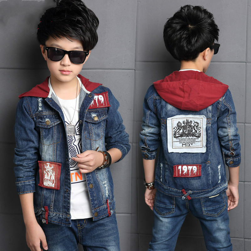 Hot Fashion Boys Denim Suit 2017 new spring and autumn children's coat + trousers 2 Pcs/1 Lot Student casual denim jacket sets mens overalls fashion 2017 spring and autumn fashion new products straight splicing hole jeans personality street trousers c165