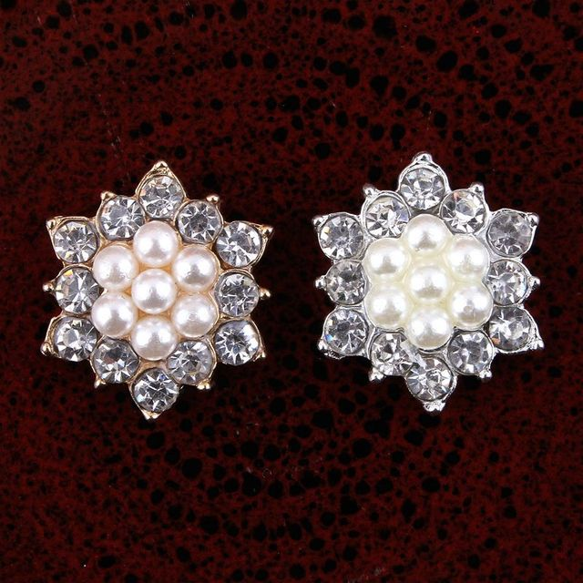 200pcs lot 17MM 2Color Newborn Handmade Pearl Button DIY Baby Flower  Headwear Sparkly Rhinestone Button f3acd1838af8