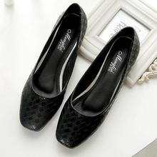 Plus Size 33-43 Women flat shoes fashion Black large size Slip-On casual shoes Female ballet flat heels zapatos mujer