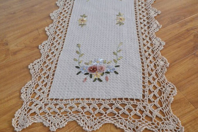 Buy hand embroidered table runner vintage for Camino de mesa elegante en crochet