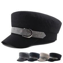 Шапка женская, женская, стразы, ремень, пряжка, плоская верхняя крышка, сплошной Стиль, военная шапка