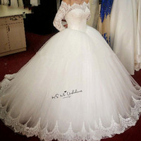 Puffy Long Sleeve Wedding Dresses Ball Gown Boat Neck Lace Bride Dress 2018 Vestido de Noiva Manga Longa Church Wedding Gowns