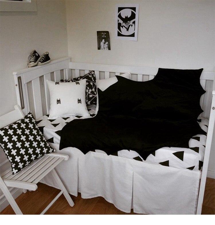 Детское одеяло из хлопка с Бэтменом, коврик с черной летучей мышью, игровое белье для коляски, одеяло для младенцев, Bebe, коврик для ползания, пеленка для новорожденных
