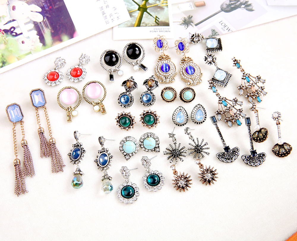 KISS ME Mixed Earrings 2018 New Design Acrylic Crystal Stars Gemetric Drop Earrings for Women Fashion Jewelry
