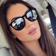 De ojo de gato de las mujeres de diseñador de marca de gafas de sol clásico  gafas de sol patas de aleación de UV400 de alta cali. 9b6756fbcb54