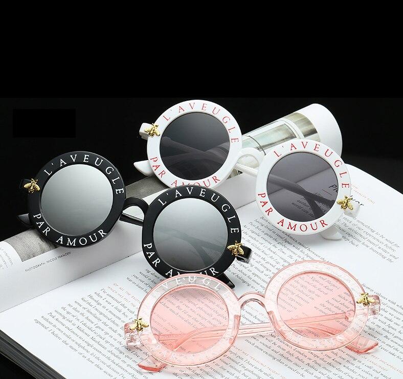 L aveugle Par Amour lunettes de Soleil Rondes Femmes Distinctif Mode  lunettes de Soleil Hommes Unique Marque Designer Rétro lunettes de Soleil  uv400 dans ... 3ec5b4e7b661
