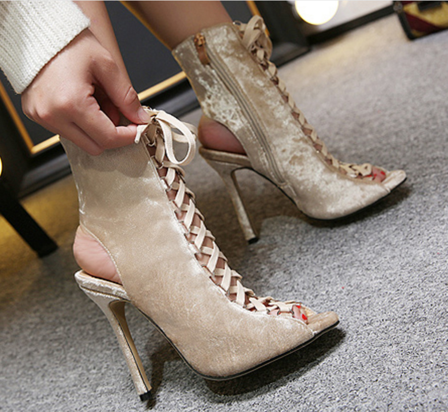 HIZCINTH 2018 Summer Women's Sandals Hollow Out Fish Mouth Cool Sandal Boots Roman Bind High-heeled Shoes Woman Sandali Eleganti roman hollow out the photo shoes fashionable nightclub cos props phantom of the opera queen show low shoes canister boots