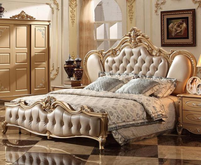 Superbe French Classic Italian Provincial Bedroom Furniture Set