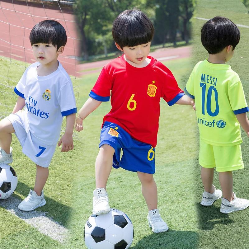 Survetement camisetas de fútbol 2018 Kit deportivo de fútbol niños chicos  de Jersey de fútbol de juventud uniforme de fútbol niños Voetbal conjunto  ... 3a263567e59ac