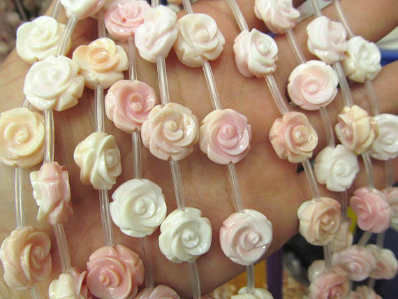 high quality Genuine Pink Queen Conch Shell ,Pearl Shell Rose flower fluorial Hand Carved loose beads 12 15mm full strand