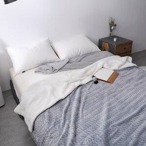 Image 2 - Couverture douatine de corail Sherpa Super douce de luxe couleur unie réversible en fausse fourrure vison jeter des couvertures chaudes pour enfants adultes sur le lit