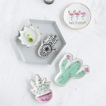 1pc Nordic Style Cactus Flamingo Plate Ceramic Dish Decorative Crown Food Plate Jewelry Trays Holder Creative Birthday A20