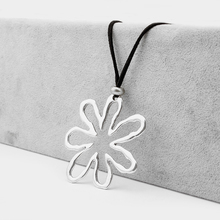 1 Pcs Antique Silver Open Craft Abstract Large Flower Pendant Necklace Black Faux Suede Cord Chain Long
